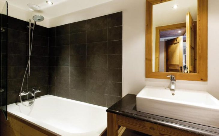 Summit View - Como Suite, La Plagne Centre, Bathroom
