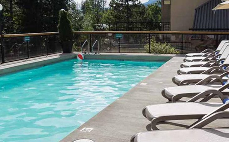 Crystal Lodge Hotel, Whistler, Pool