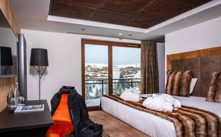 Daria-I Nor, Alpe d'Huez, Bed