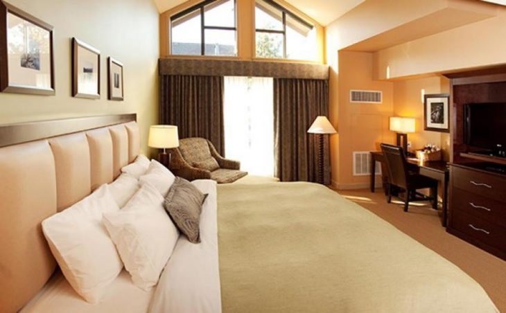 Crystal Lodge & Suites in Whistler , Canada image 3