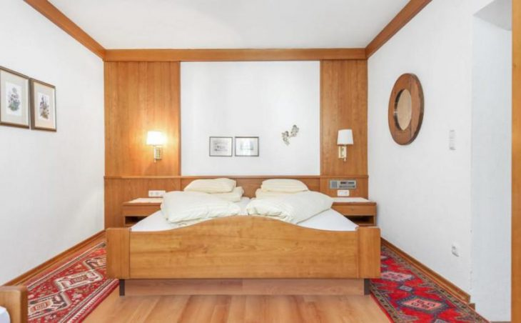 Chalet Edelweiss, St Anton, Double Bed