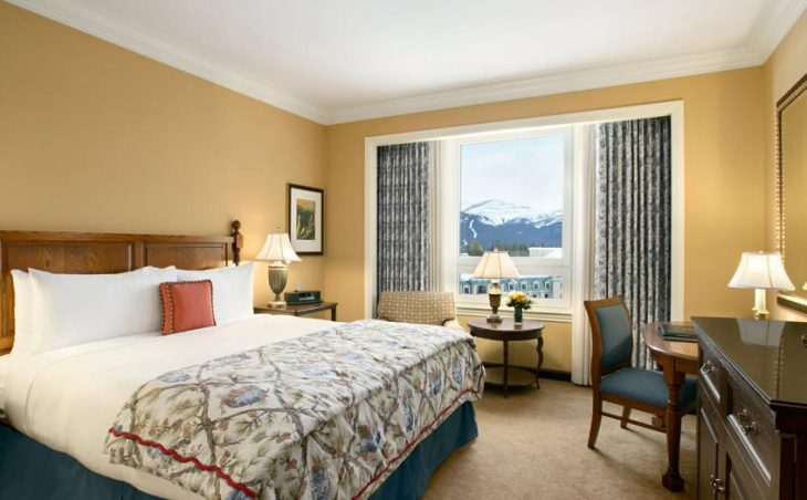 Fairmont Chateau Lake Louise, Lake Louise, Double Bedroom