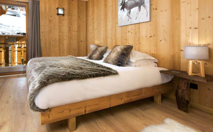 Chalet Faucon, Les Menuires, Double Bedroom