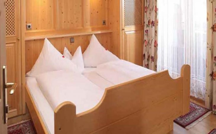 Edelweiss Apartments, Alpbach, Double Bed