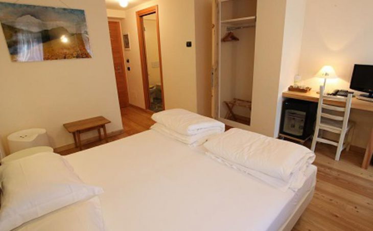 Hotel Berthod, Courmayeur, Double Bedroom 2