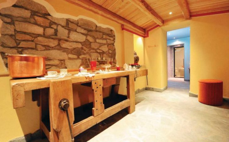 Hotel Bucaneve in Cervinia , Italy image 13