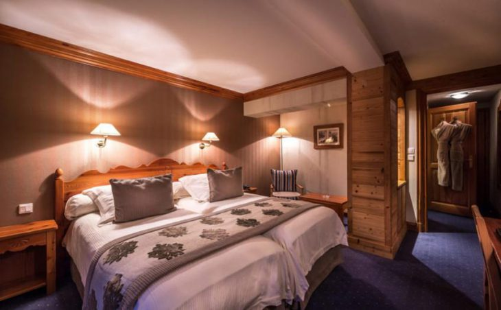Ski Hotel Christiania, Val dIsere, Double Bedroom