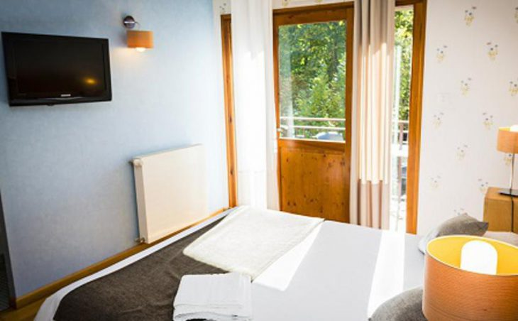 Hotel le Chalet, Ax les Thermes, Double Bedroom