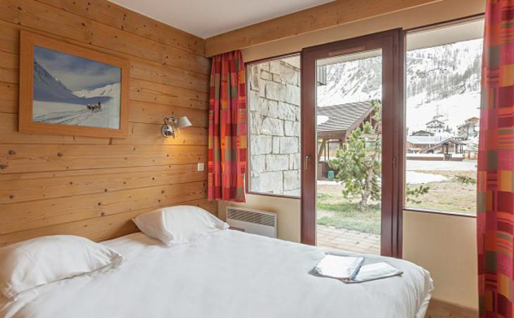 Residence Les Balcons de Bellevarde, Val dIsere, Double Bedroom