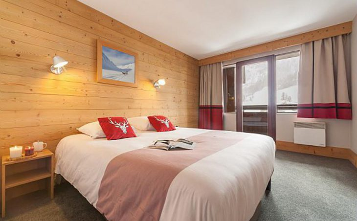 Residence Les Balcons de Bellevarde, Val dIsere, Double Bedroom 2
