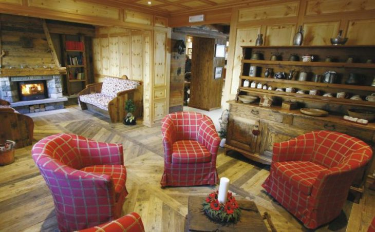 Hotel Lo Scoiattolo in Gressoney , Italy image 4