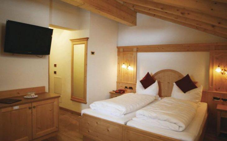 Alpen Hotel Vidi in Madonna Di Campiglio , Italy image 4