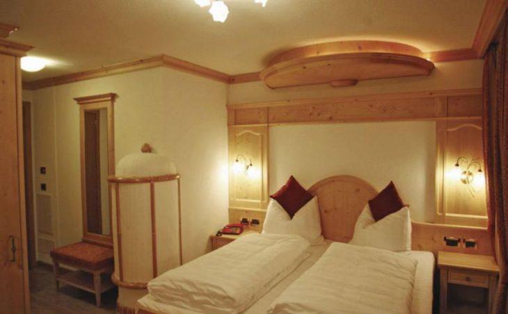 Alpen Hotel Vidi in Madonna Di Campiglio , Italy image 2