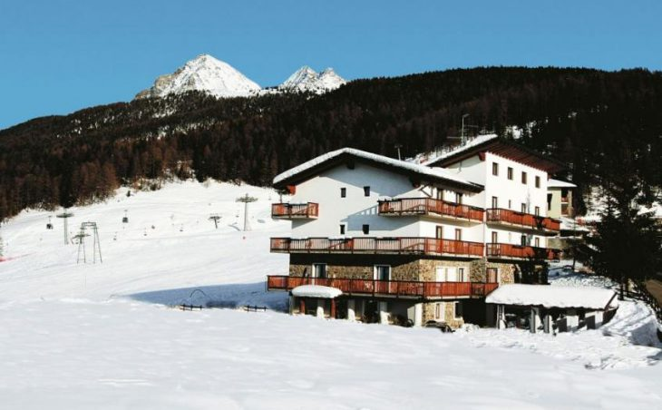Hotel Chalet des Alpes in Pila , Italy image 1