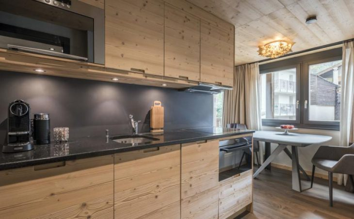 Kern Peak, Zermatt, Kitchenette