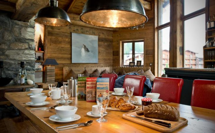 Chalet Le Lievre Blanc, Val dIsere, Dining Area