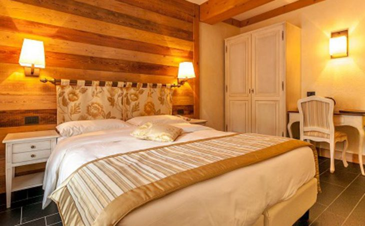 Hotel Lo Scoiattolo, Courmayeur, Double Bed