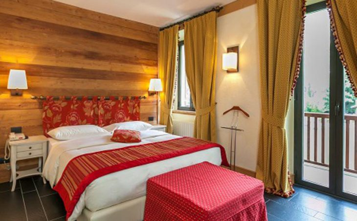Hotel Lo Scoiattolo, Courmayeur, Double Bed 2
