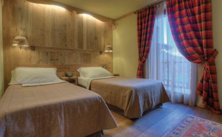 Hotel Mon Reve, Cervinia, Twin Bedroom