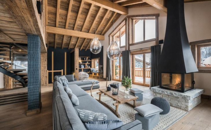 Chalet O Valala, Val d'Isere, Fireplace Lounge