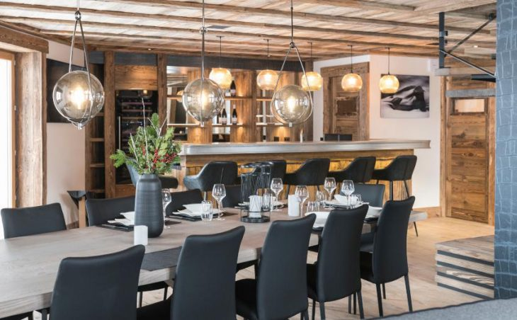 Chalet O Valala, Val d'Isere, Dining Table