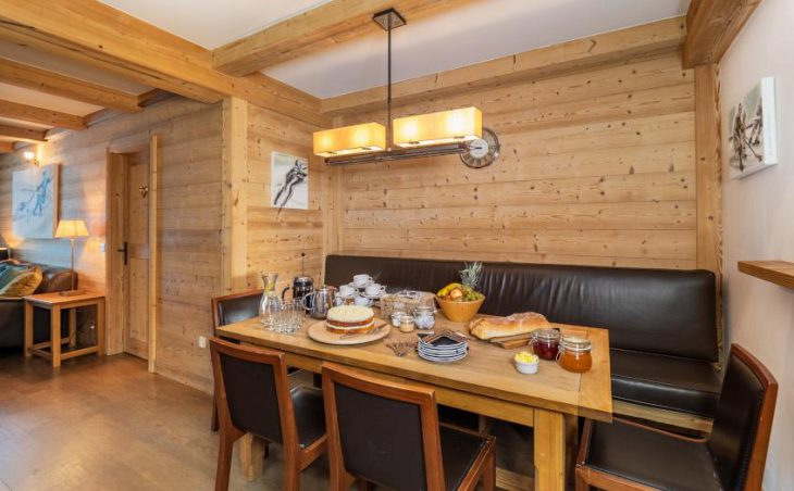 Petit Choucas, Val dIsere, Dining Table