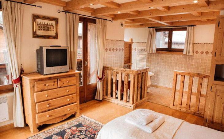 Chalet Alp Inn (Catered) in Morzine , France image 7