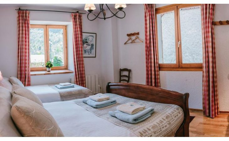 Chalet Rostaing, Alpe d'Huez, Double Bedroom 3