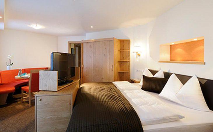Hotel Saalbacherhof, Saalbach, Double Bedroom
