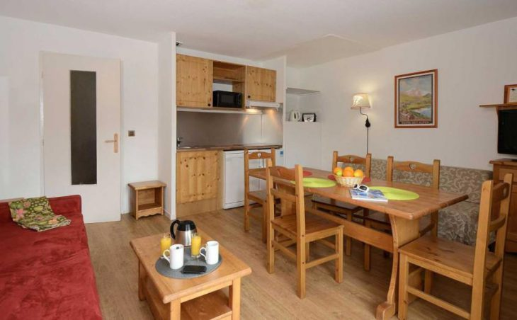 Surf Des Neiges, Les Deux Alpes, Typical Apartment
