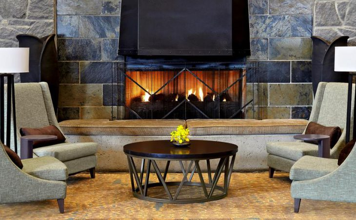 The Westin Resort & Spa, Whistler, Log Fire Lounge