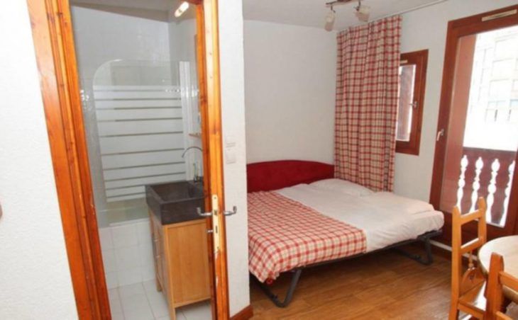 Val Claret Apartments, Tignes, Double Bedroom