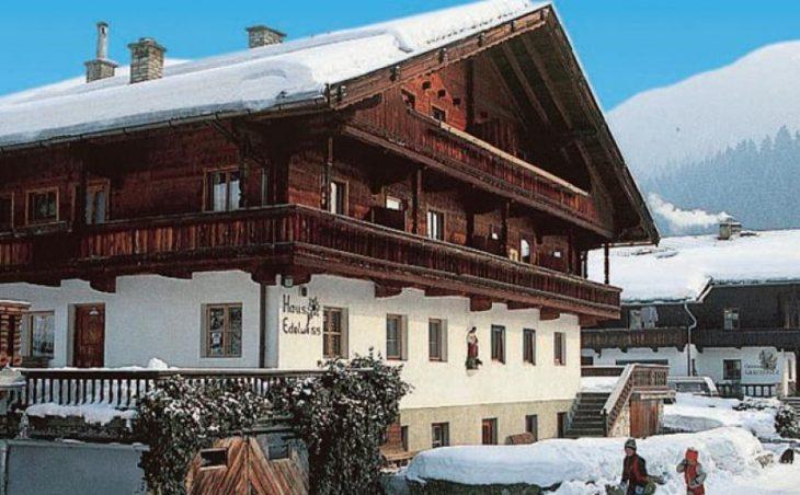Edelweiss Apartments, Alpbach, External