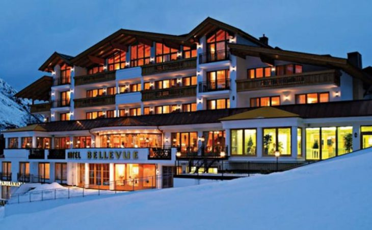 Hotel Bellevue, Obergurgl, Nightime Exterior