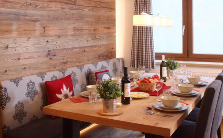 Chalet Galzig, St Anton, Dining Area