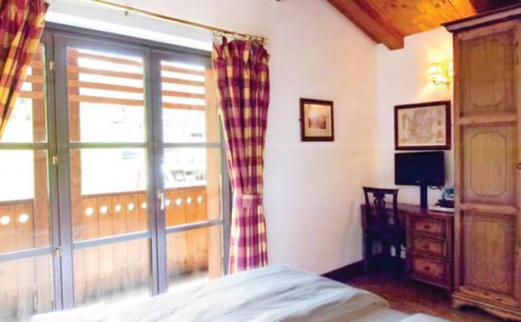 Chalet Hotel Dragon, Cervinia, Bedroom 2