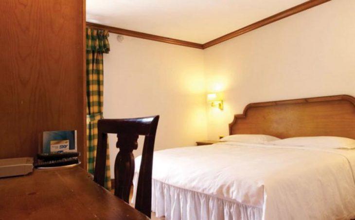 Chalet Hotel Dragon, Cervinia, Bedroom 1