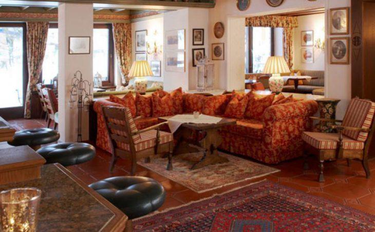 Hotel Haldenhof, Lech, Lounge with Bar