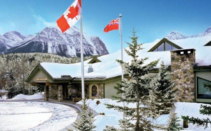 Lake Louise Inn Hotel in Lake Louise , Canada image 1