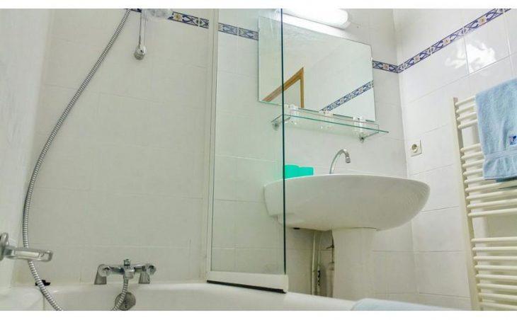 Chalet Lucette, Alpe d'Huez, Bathroom