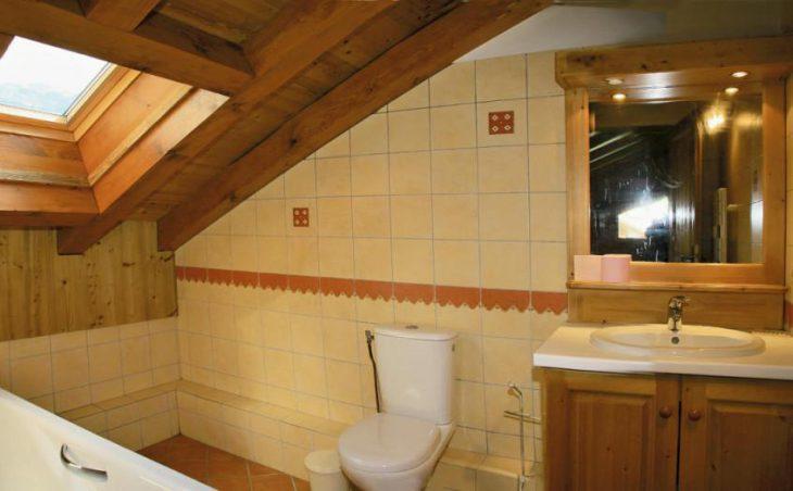 Chalet Renardeaux, Meribel, Bathroom